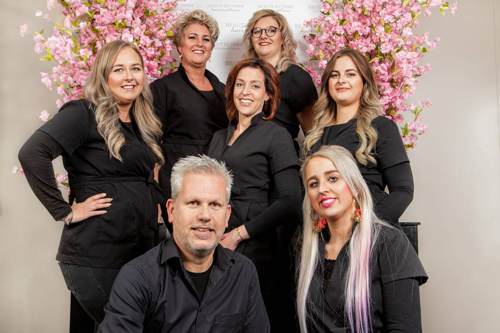 Het team van kapsalon Timme Haircreations